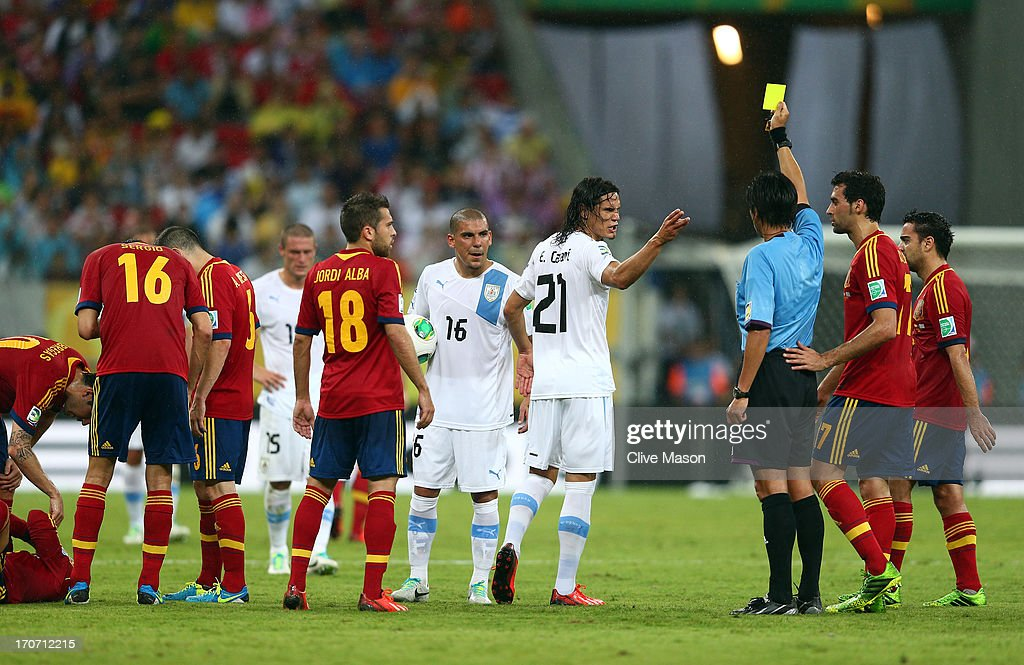 Spain v Uruguay: Group B - FIFA Confederations Cup Brazil 2013 : News Photo
