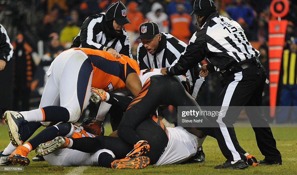 Denver Broncos versus the Cincinatti Bengals : News Photo