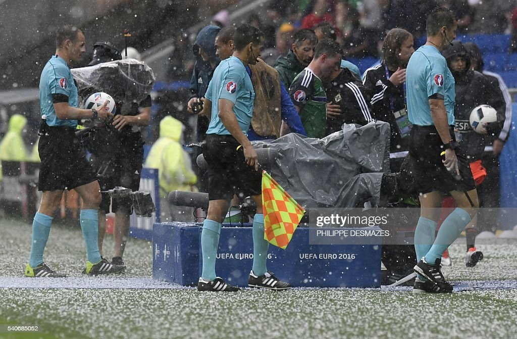 FBL-EURO-2016-MATCH17-UKR-NIR : News Photo