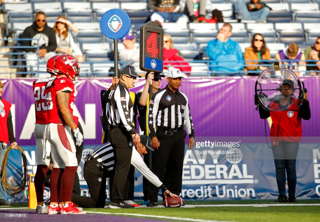 San Antonio Commanders v Atlanta Legends : News Photo