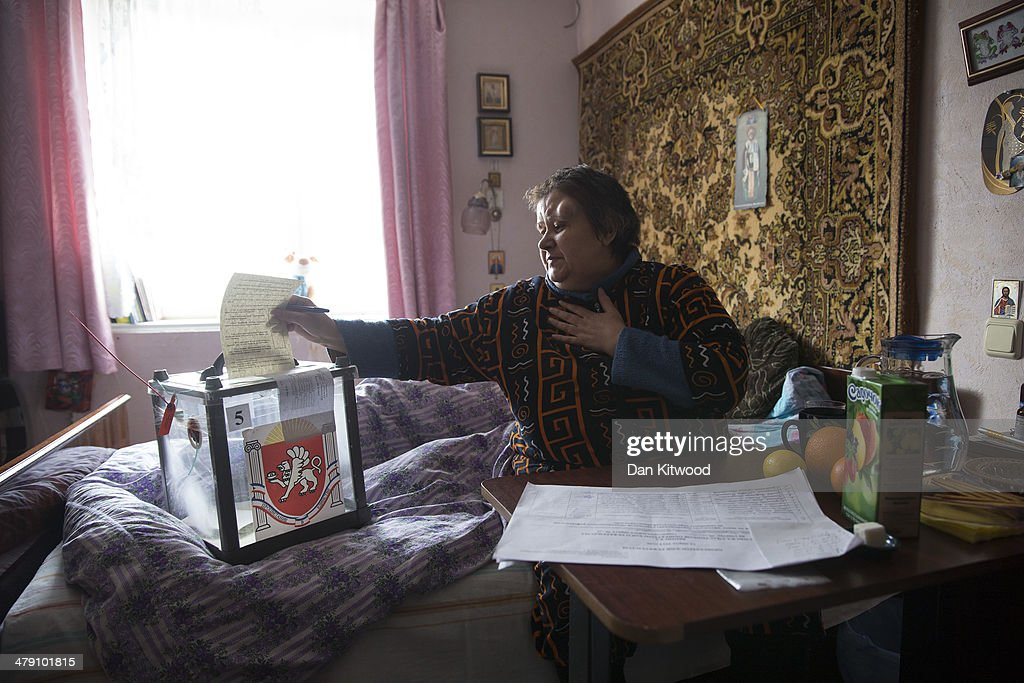 Referendum Staff Collect Votes From The Elderly And Infirm : News Photo
