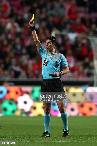Referre Luis Ferreira during the match between SL Benfica and Boavista FC for the Portuguese Primeira Liga at Estadio da Luz on January 14 2017 in...