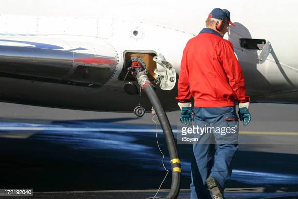 Refilling the airplane's tank