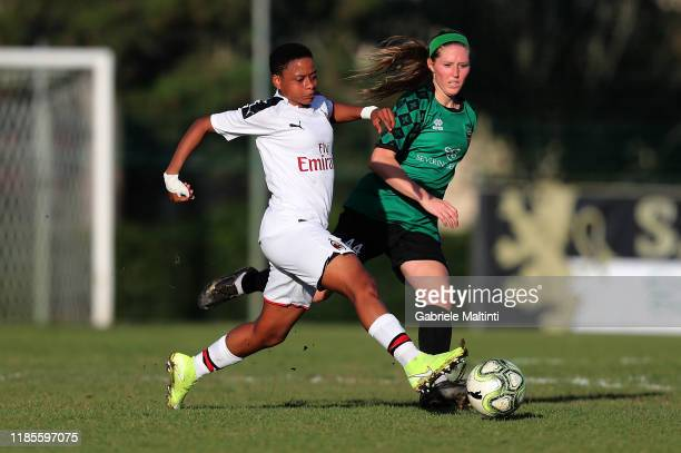 Refiloe Jane of AC Milan Women in action against Megan Kelly of Florentia San Gimignano Women during the Women Serie A match between Florentia and AC...