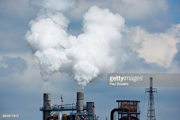 refinery, linden, new jersey - new jersey turnpike stock photos and pictures