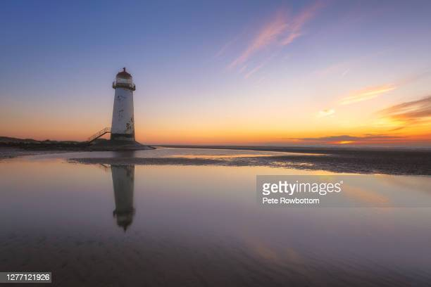reflected sunset - contemplation stock pictures, royalty-free photos & images