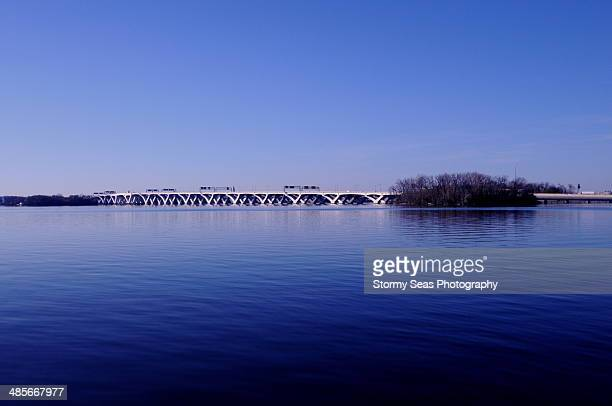 reflecting blue - woodrow wilson bridge stock pictures, royalty-free photos & images