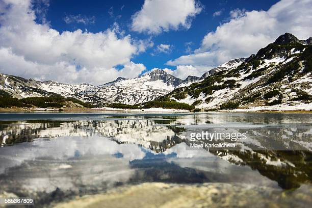 reflection lake in pirin mountain, bulgaria - pirin national park stock pictures, royalty-free photos & images