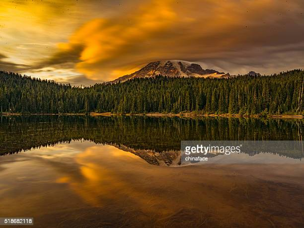 reflection lake of MT.Rainier
