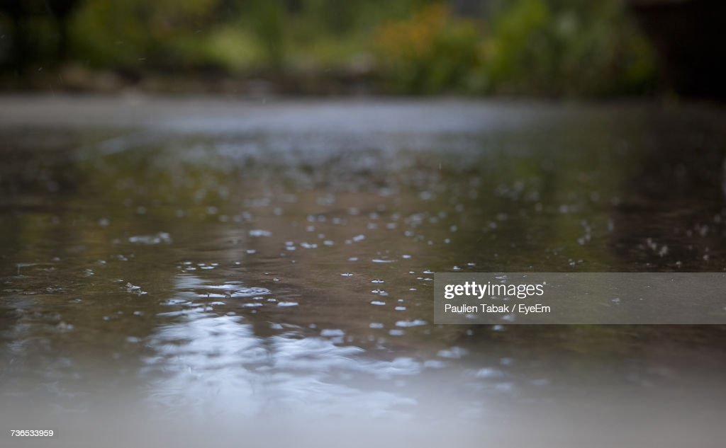 Reflection Of Clouds In Water : Stockfoto