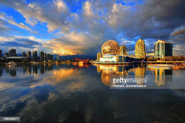reflection of science park - dome stock pictures, royalty-free photos & images