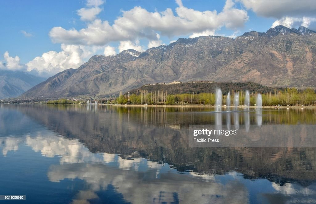 Reflection of Zabarwan Hills on the waters of world famous... : News Photo
