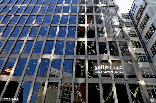 Reflection Swiss Re Tower