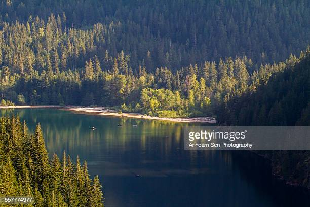 reflections on lake diablo - diablo lake - fotografias e filmes do acervo