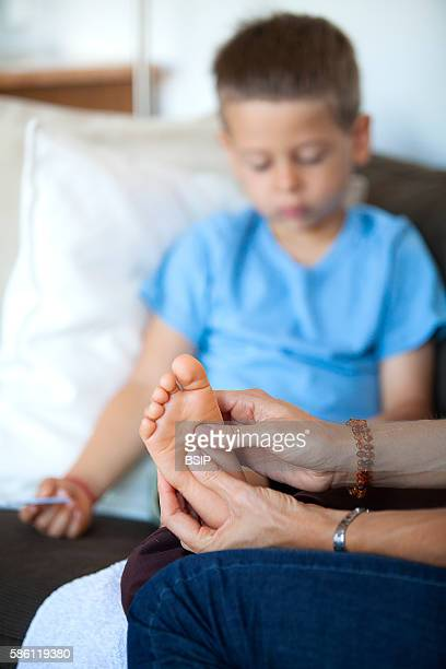 Reflexology for children The reflexologist deals with children from the age of 5 upwards Reflexology acts on their concentration memory balance...