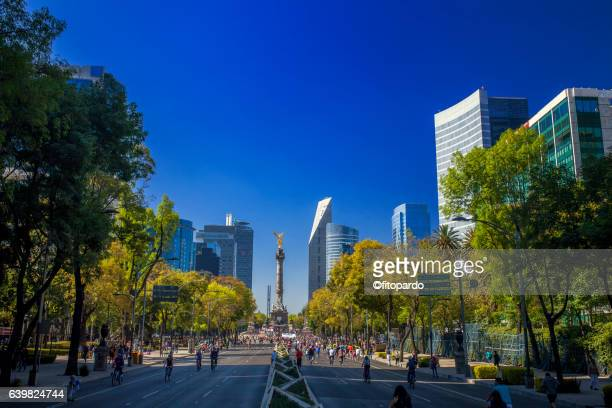 reforma avenue skyline in mexico city - mexico city stock pictures, royalty-free photos & images