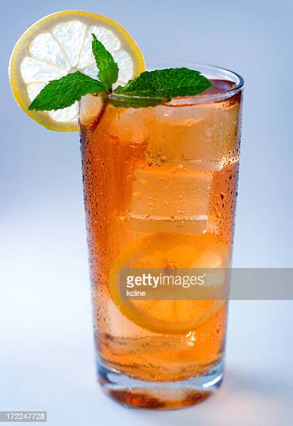 refreshing iced tea - mint julep stock pictures, royalty-free photos & images