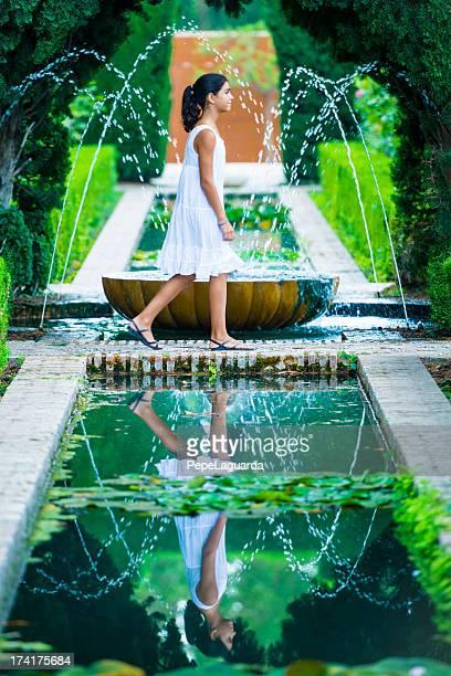 Refrescante en el Alhambra jardines del Generalife, España