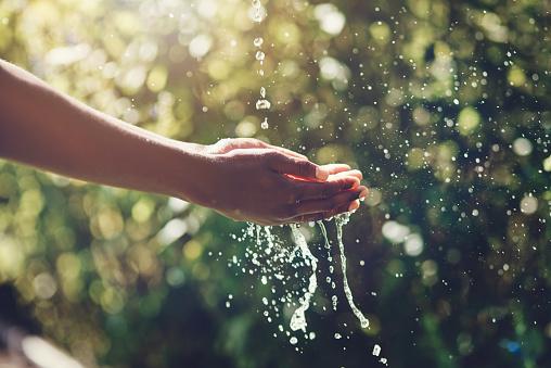Refreshing splashes 889476586