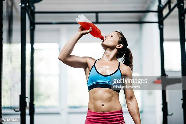 refreshment - daily sport girls stock pictures, royalty-free photos & images
