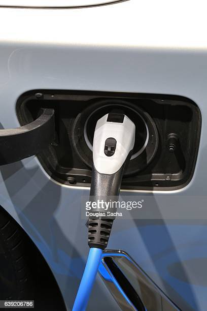 Refueling an electrical powered vehicle