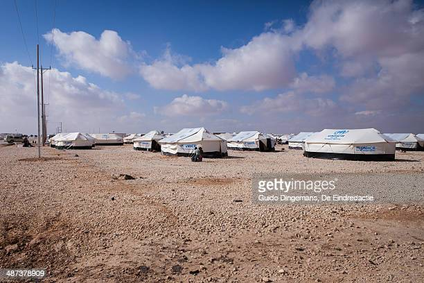 refugee camp landscape - refugee camp stock pictures, royalty-free photos & images