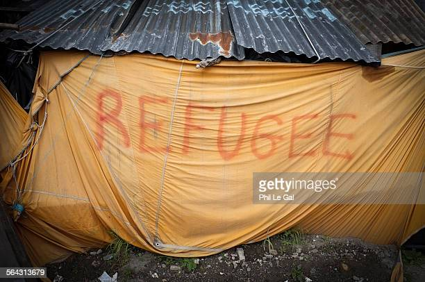 refugee tent in the jungle calais - refugee camp stock pictures, royalty-free photos & images