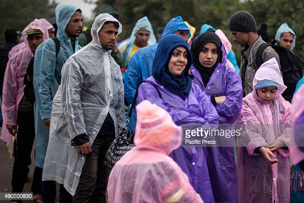 BORDER BAPSKA SYRMIA CROATIA Refugee waiting to be able to cross the SerbianCroatian border