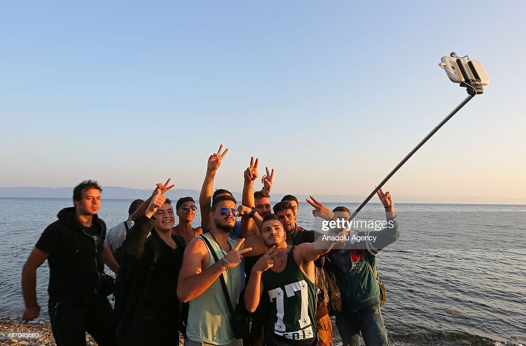 Refugees arrive in Greece's Lesbos Island : News Photo