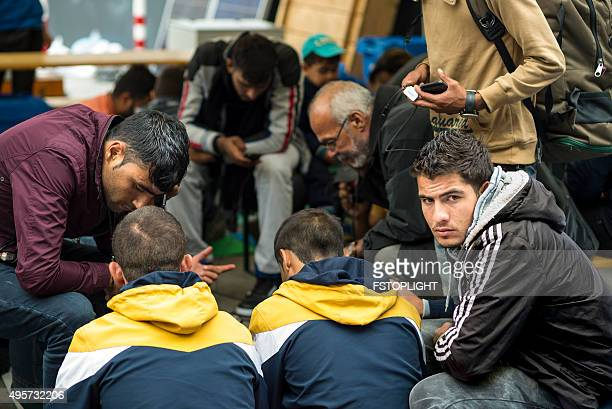 refugees in train station - emigration och immigration bildbanksfoton och bilder