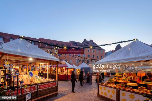 regensburg at christmas, lucrezia-markt in kohlenmarkt - germany - regensburg stock photos and pictures
