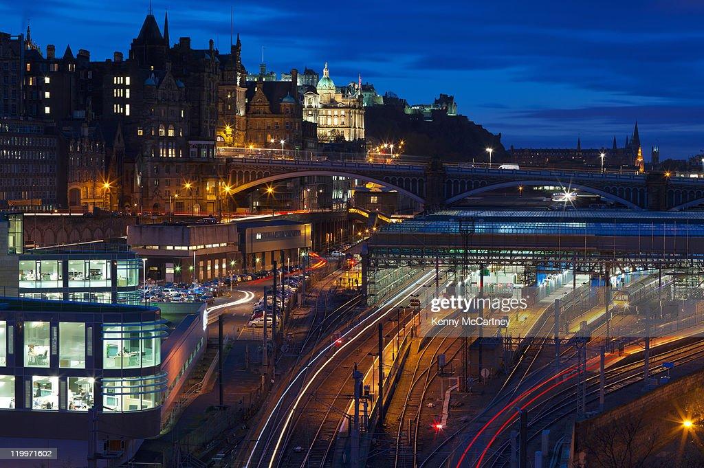 Regent Road, Waverley Station, Edinburgh : Stock Photo