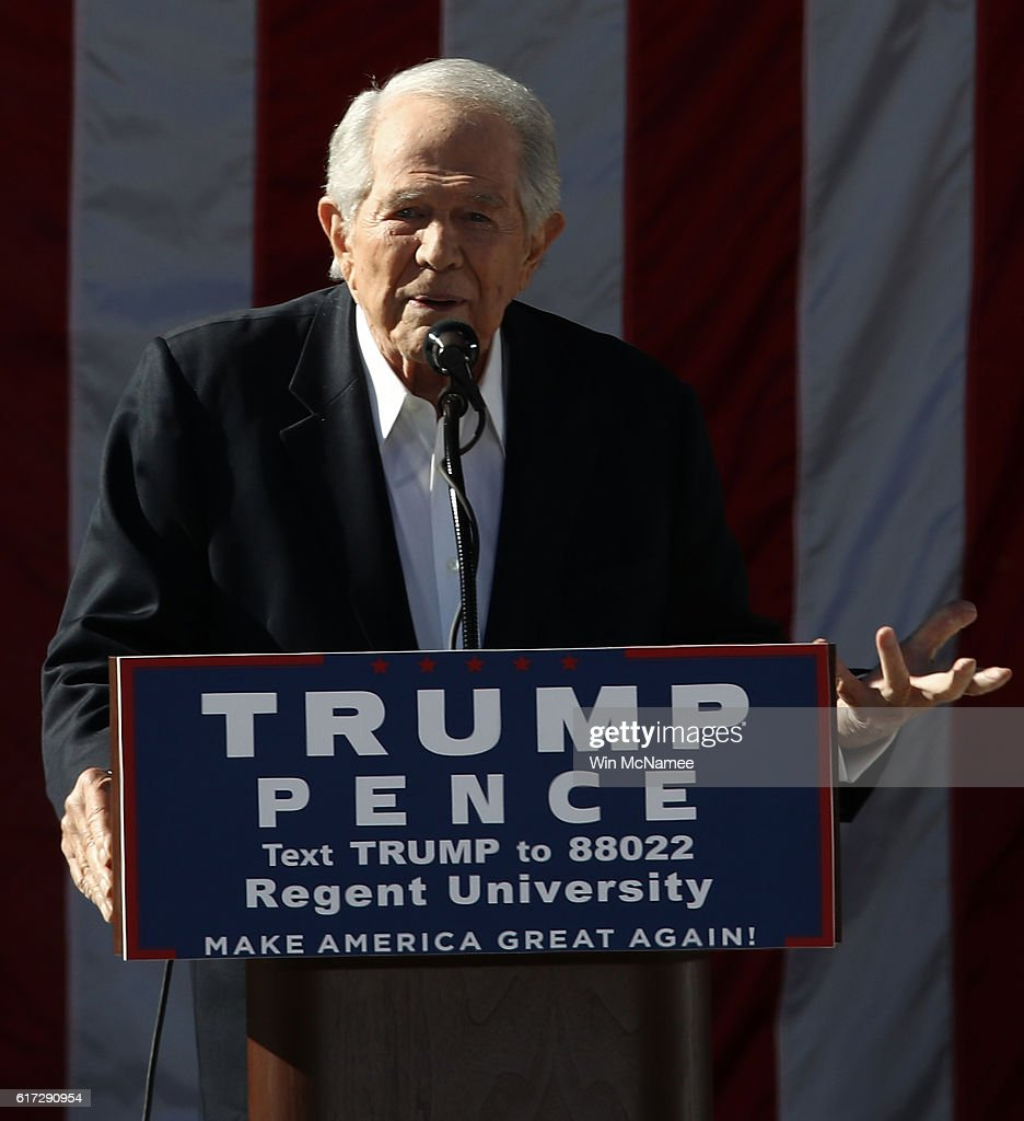Regent University chancellor and CEO Pat Robertson delivers remarks at a campaign event for Republican presidential candidate Donald Trump at Regent University October 22, 2016 in Virginia Beach, Virginia. The U.S. holds its presidential election in 17 days.
