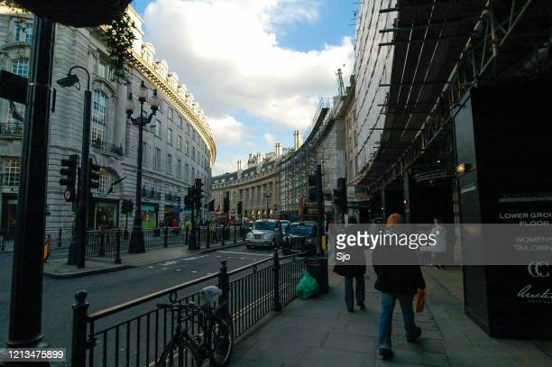 """regent's street in london uk during a beautiful autumn day - """"sjoerd van der wal"""" or """"sjo"""" stock pictures, royalty-free photos & images"""