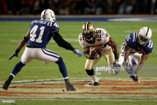 Reggie Bush of the New Orleans Saints runs with the ball against the Indianapolis Colts during Super Bowl XLIV on February 7, 2010 at Sun Life...