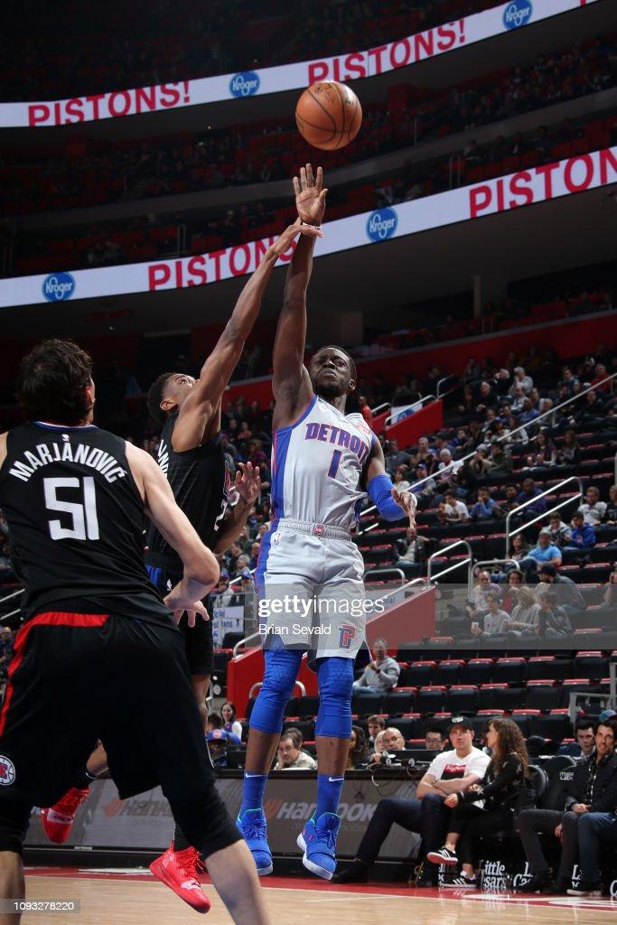 Reggie Jackson of the Detroit Pistons shoots the ball