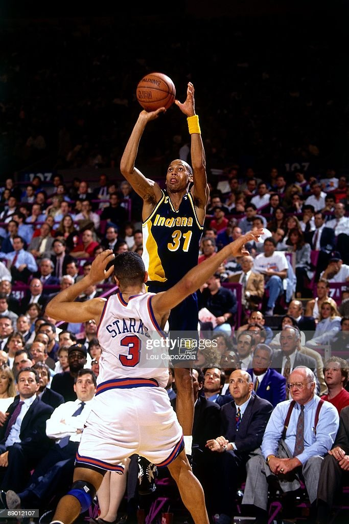 1994 Eastern Conference Finals, Game 5:  Indiana Pacers vs. New York Knicks : News Photo