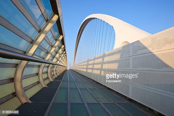 reggio emilia bridge - レッジョエミリア ストックフォトと画像
