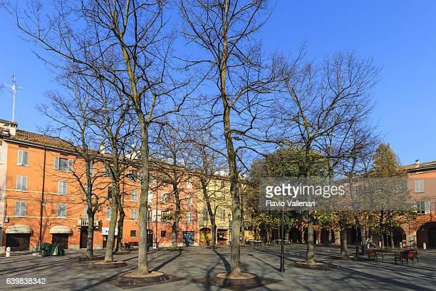 reggio emilia, piazza fontanesi - emilia romagna, italy - レッジョエミリア ストックフォトと画像