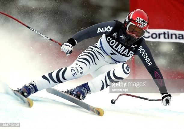 Regina Häusl * Sportlerin Ski Alpin D Weltcup in Cortina d'Amezzo Abfahrtslauf in Aktion