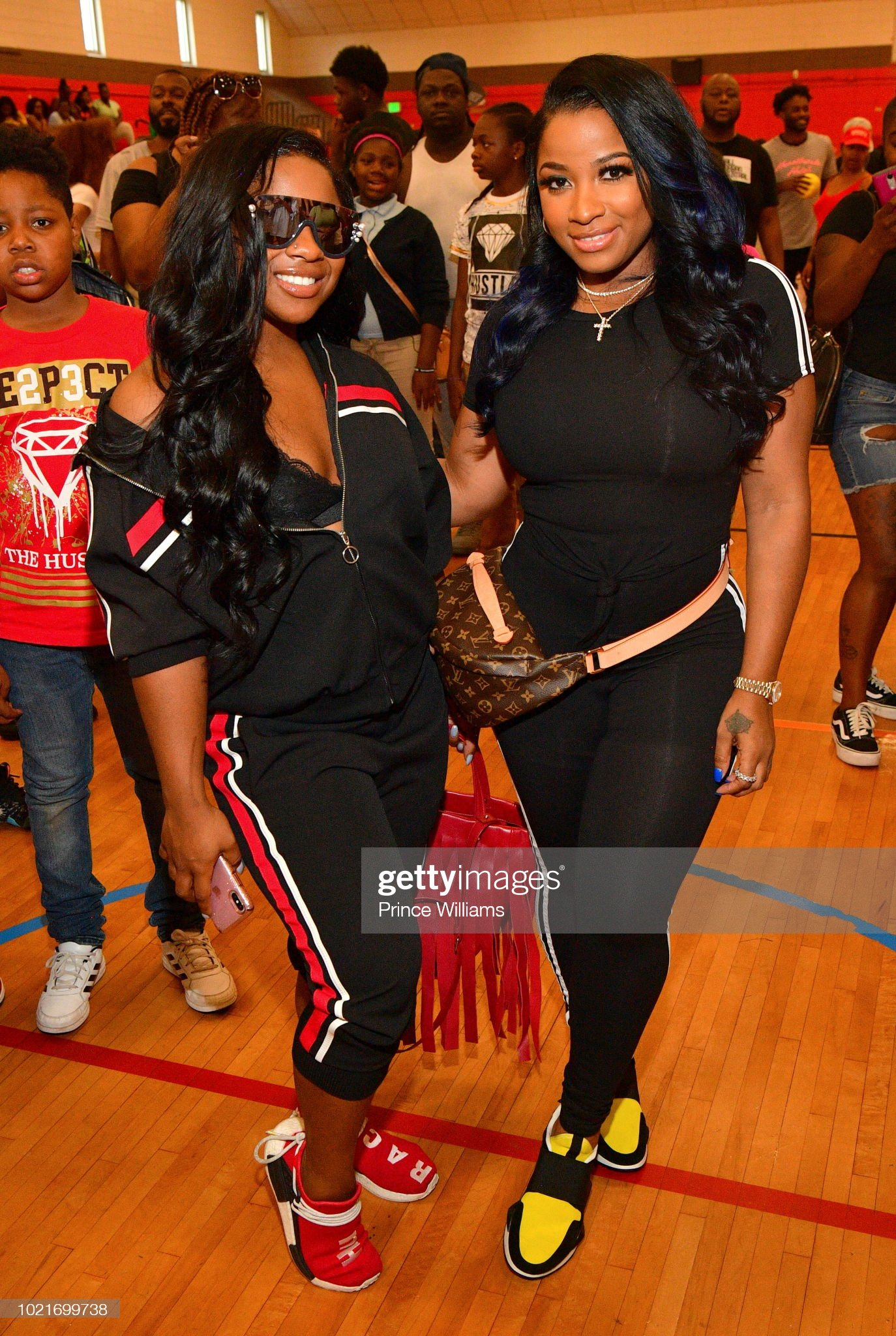 ¿Cuánto mide Toya Wright (Antonia)? - Real height Reginae-carter-and-antonia-wright-attend-the-back-2-school-feild-day-picture-id1021699738?s=2048x2048