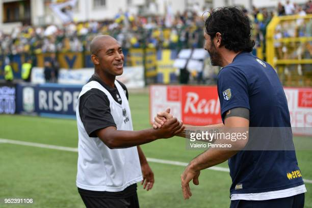 Reginaldo of Pro Vercelli FC salutes Alessandro Lucarelli of Parma Calcio during the serie B match between Pro Vercelli FC and Parma Calcio at Stadio...