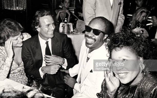 Regine Julio Iglesias Stevie Wonder and his wife
