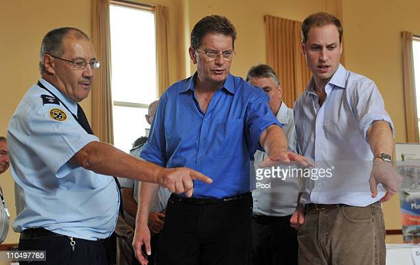 SES Regional manager Graeme Poulton Victoria State Premier Ted Bailleau and Prince William discuss flood relief operations on March 21 2011 in Kerang...