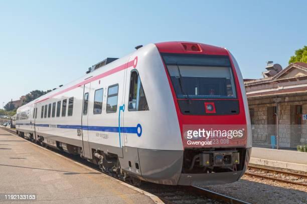 regioswinger trein in split railway station - gwengoat stockfoto's en -beelden