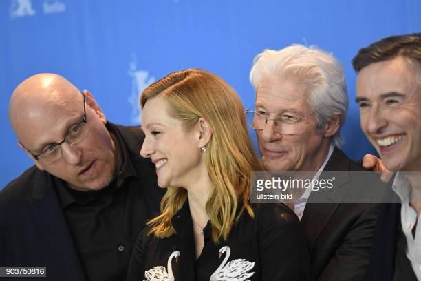 Regissdeur Oren Moverman Schauspielerin Laura Linney Schauspieler Richard Gere und Schauspieler Steve Coogan während des Photocalls zum Film THE...