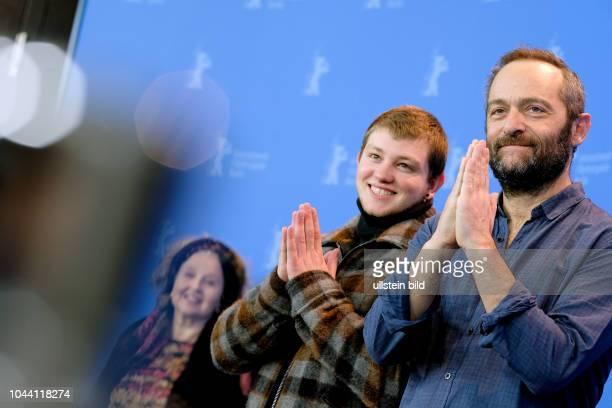 Regisseur Cedric Kahn Schauspieler Anthony Bajon und Schauspielerin Hanna Schygulla während des Photo Calls zum Film LA PRIERE anlässlich der 68...