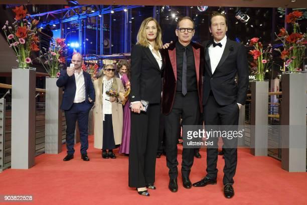 Regisseur Etienne Comar mit Schauspielerin Cecile de France und Schauspieler Reda Kateb anlässlich der Eröffnung der 67 Berlinale mit dem Film DJANGO