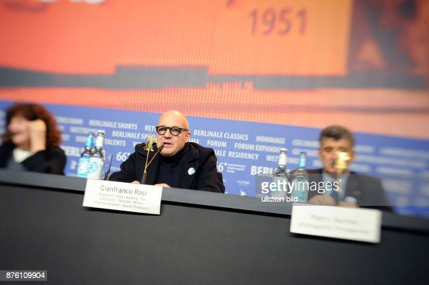 Regisseur Gianfranco Rosi und Darsteller Pietro Bartolo während der Pressekonferenz zum Film FIRE AT SEA anlässlich der 66 Internationalen...