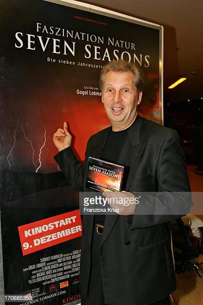 """Regisseur Gogol Lobmayr Bei Der Weltpremiere """"Faszination Natur-Seven Season"""" Im Mathäser Kino In München Am 061204"""